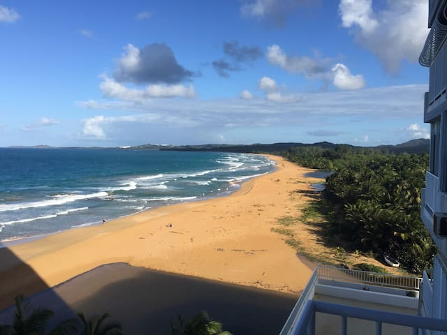 2BD on the Ocean, Spectacular view! - Luquillo