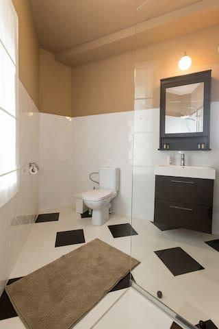 """""""Miorica"""" Family suite  en-suite bathroom"""