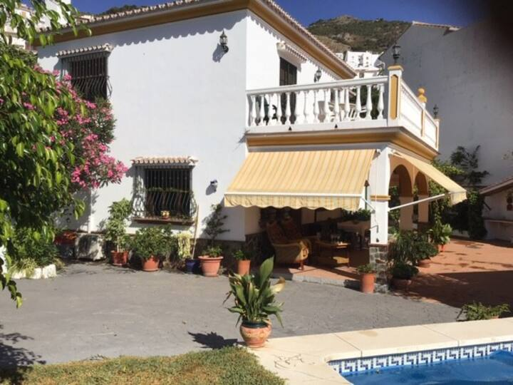 Countryside Villa with Private Pool & Grounds