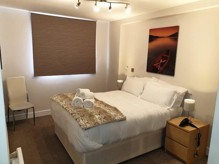 Birminghams Garnet 2 Bed Apt;  Sleeps 6 Guests