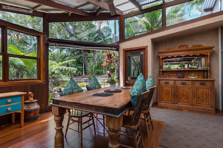 Eclectic Oasis in Doonan, Sunshine Coast