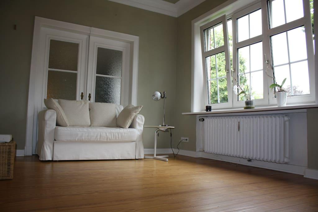 Dein großes Zimmer mit Couch