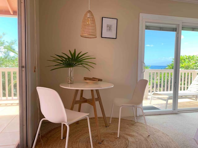 Lanai view Suite + balcony 5 mins from the beach