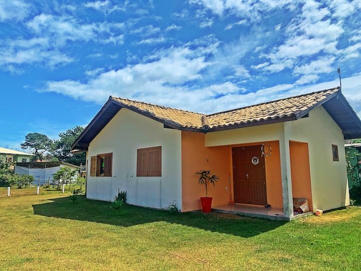 Casa para até 12 pessoas/piscina na Praia do Rosa