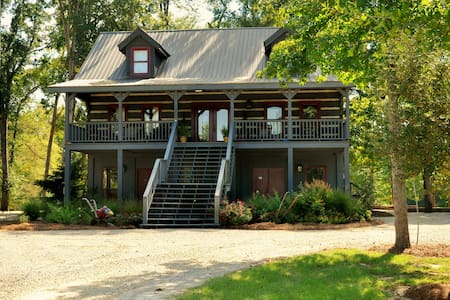 2-Bedroom Suite - The Treehouse Suite - Hattiesburg - Cabana