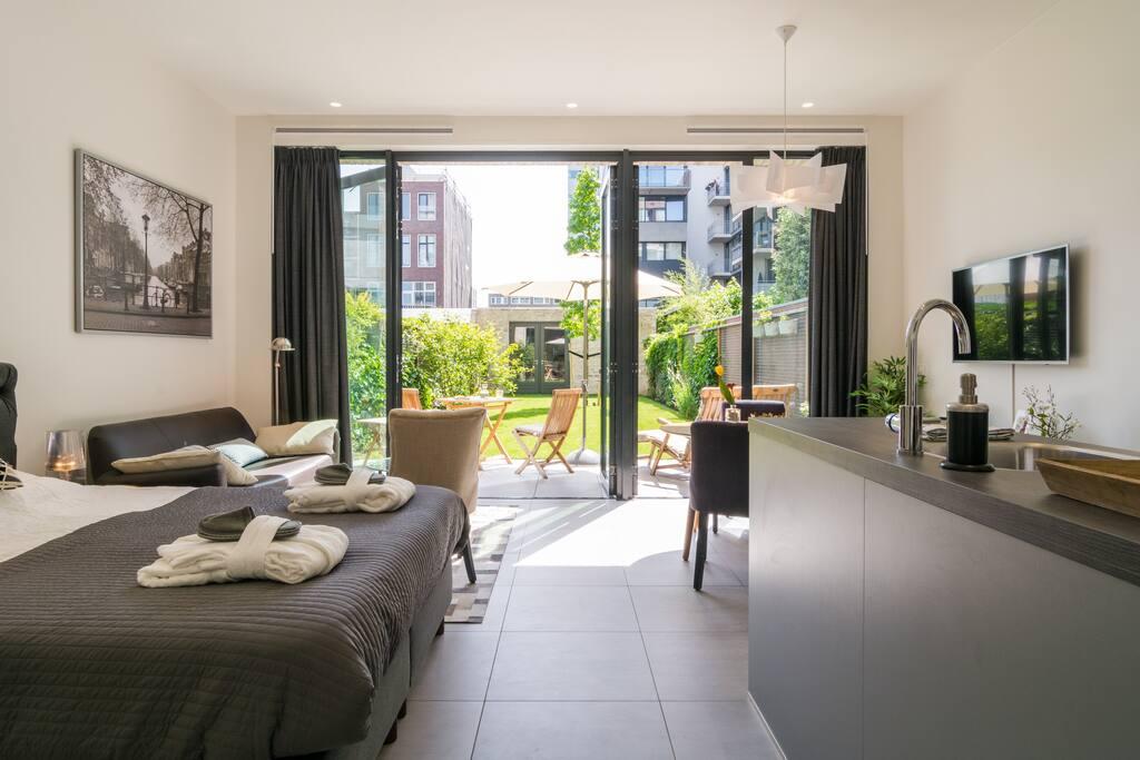 Stylish studio apt garden terrace 8 min from cs for 4 holland terrace needham ma