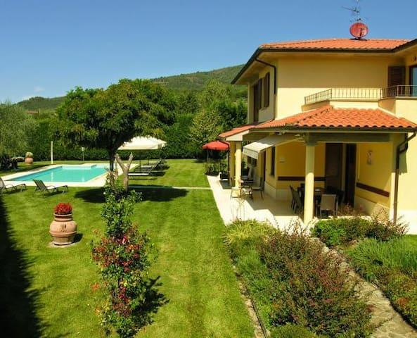 Panoramic villa with pool in a quite position - Loro Ciuffenna - Villa