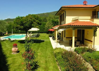 Panoramic villa with pool in a quite position - Loro Ciuffenna
