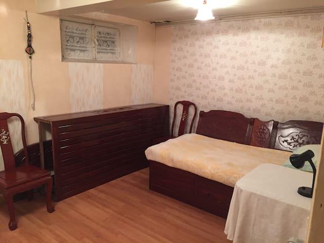 舒适干净的房间,生活便捷门前餐厅超市,交通安全便利快线直达巴黎市中心。 - Antony - Bed & Breakfast