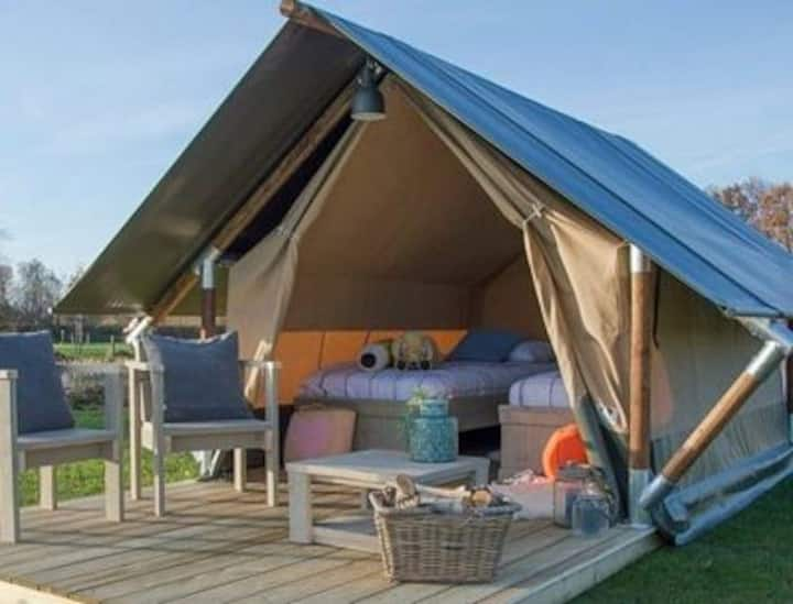 Beautifully Located Glamping In Ham Sandwich, Kent