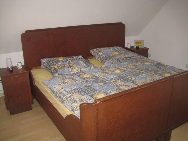 Schöne Zimmer im Drei-Franken-Eck an der A3