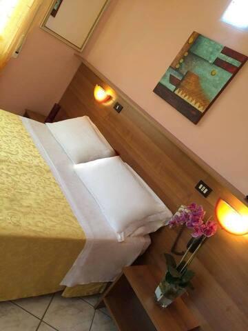 Accoglienti camere a 30mt. dal mare - Loano - Bed & Breakfast