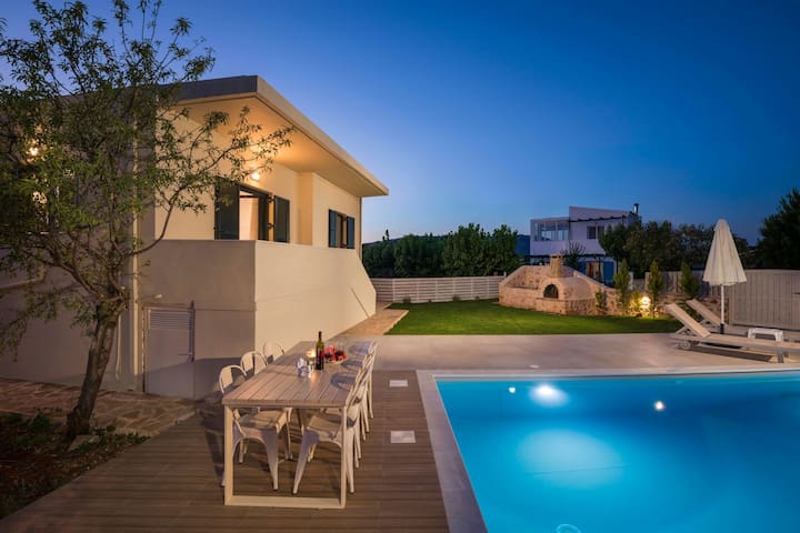 Villa-Nicolas with private pool