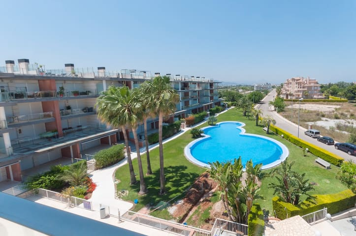 POEMA - Apartment with shared pool in Oliva Nova .