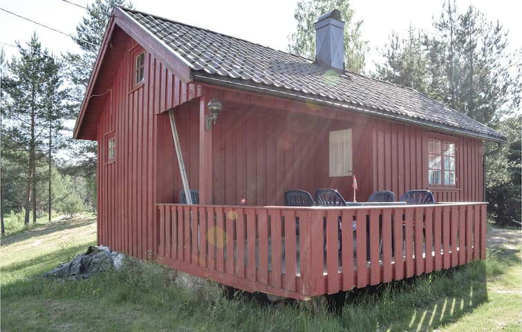Holiday cottage with 1 bedroom on 30m² in Sannidal