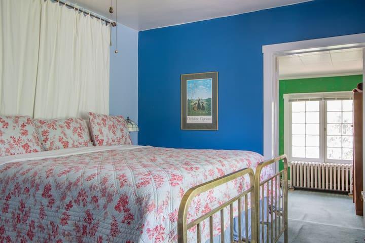 Colorado Trail House - Blue Room