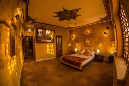Rajput-Themed Room in Jaisalmer Fort! - Jaisalmer