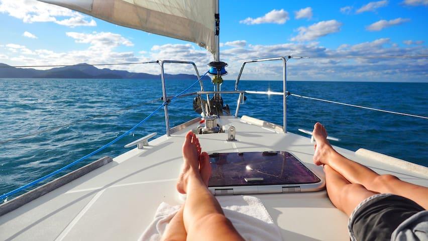 Évadez-vous sur un voilier charmant +tout confort