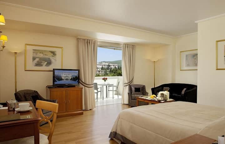 Deluxe Room at Theoxenia Palace***** in Kifissia