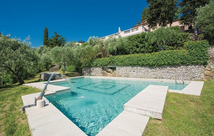 Villa Privata in Toscana, Parco e Piscina Privati