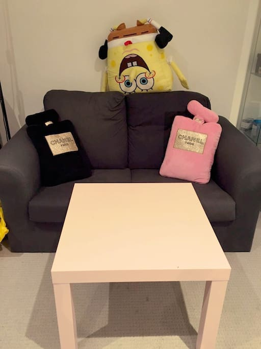 little sofa with some little funny things~