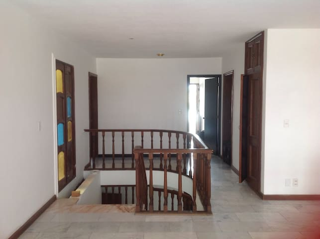 Beautiful sunny house 5 beds 5.5 br - Mazatlán - บ้าน