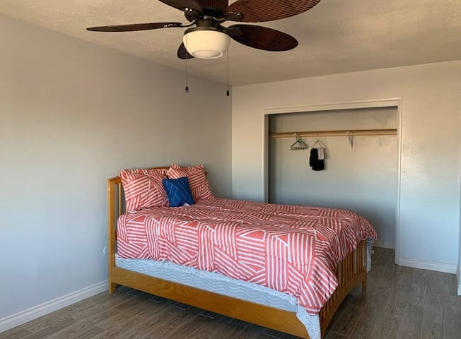 Bedroom for 2 in Fontana - 2