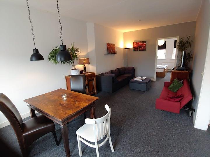 Self check-in 45 m2 Appartement, centraal gelegen.