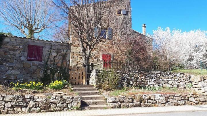 Maison en pierre Ardeche/ deux chambres