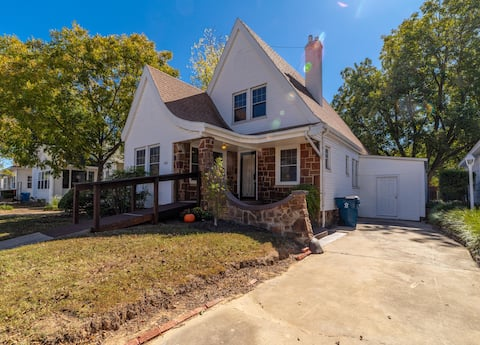 McAlester Home with tons of Charm!!