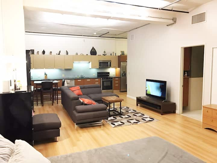 DTLA loft-FREE Parking/All-inclusive/Pool/Jacuzzi