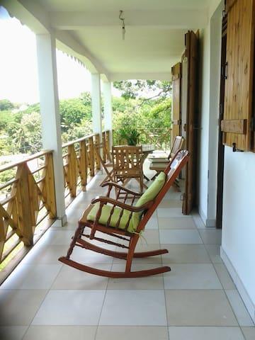 Séjour authentique en Guadeloupe - Morne-À-l'Eau - House