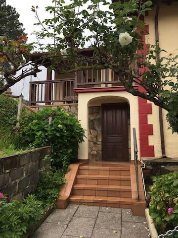 Preciosa casita en el centro de Armintza Lemoiz