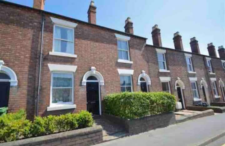 Period house - 5 minutes walk to town centre