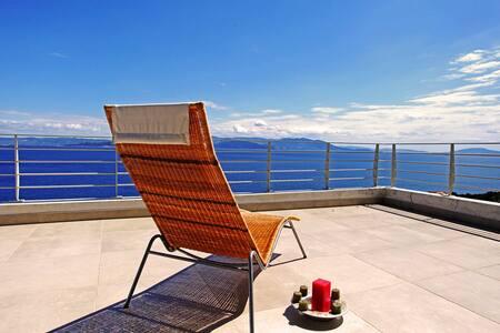 Nereus apt-Comfy Vacation w SeaView - Apartament