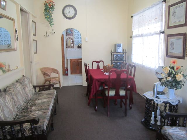 4br/3ba Fully Equipped and Furnished Private Home