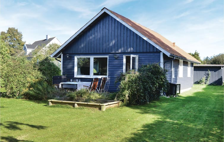 Holiday cottage with 1 bedroom on 55m² in Gilleleje