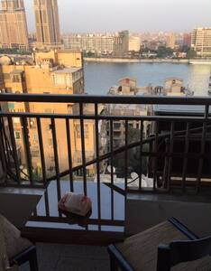 Cozy flat, 2 BR,balconies Nile View