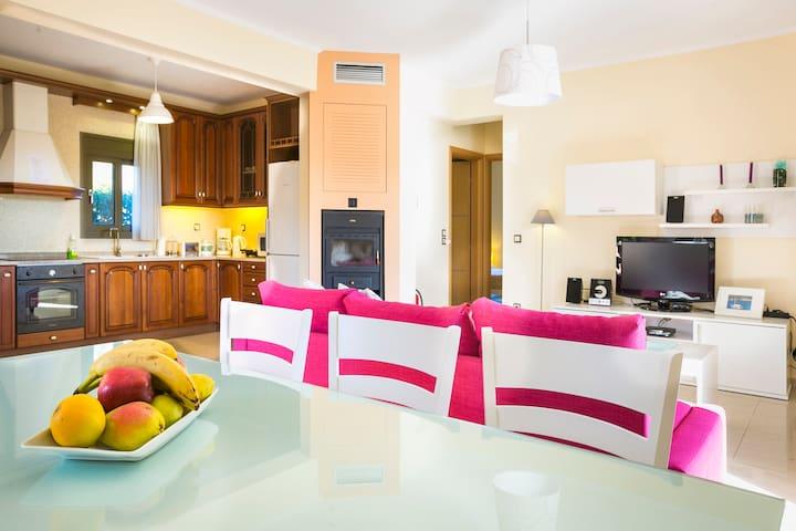 "Villa ""Paraspori"", 2 Bedroom Villa - Κουντουράτα - บ้าน"