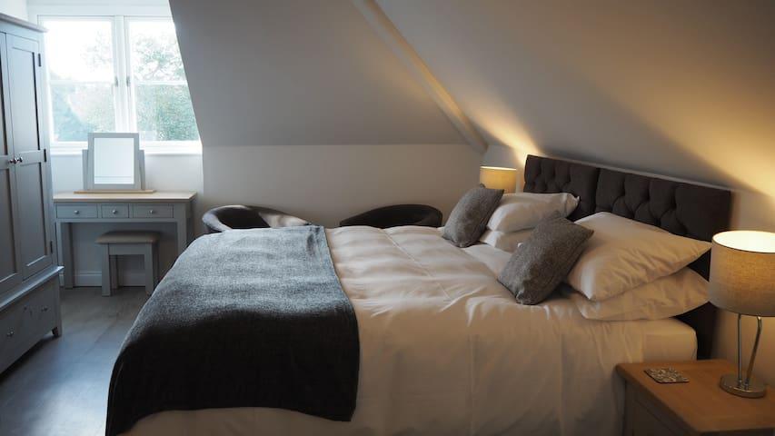 Cotswold Hare - Room 2 - Super King Room