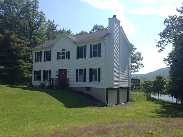 Windham Hunter NY Ski-Vacation Home