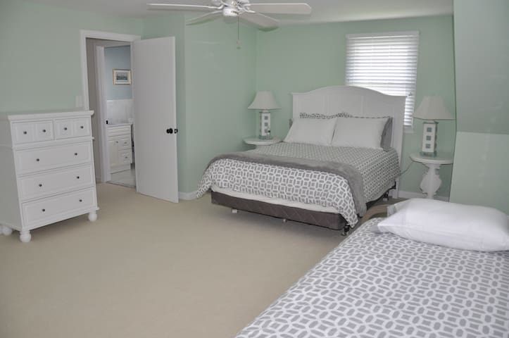 BR#2 - 2nd Floor - Large bedroom upstairs has Queen and Full beds.