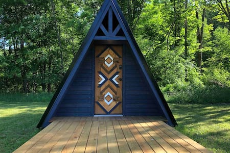 Tiny Glamping A-Frame at JuneBug Lodge - The Swede