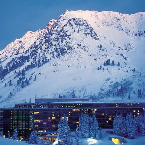 Ski in / Ski out Cliff Lodge and Spa at Snowbird