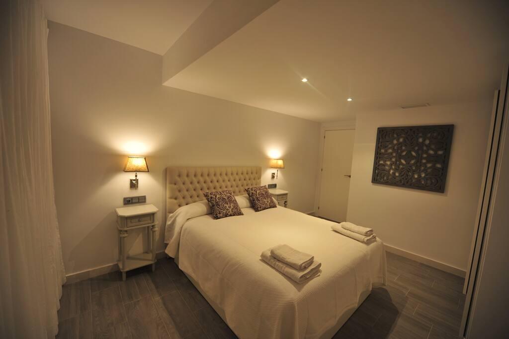 Dormitorio principal con vistas Avda