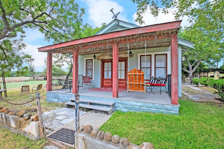 New! Stunning Historic Home Near Town with BBQ!