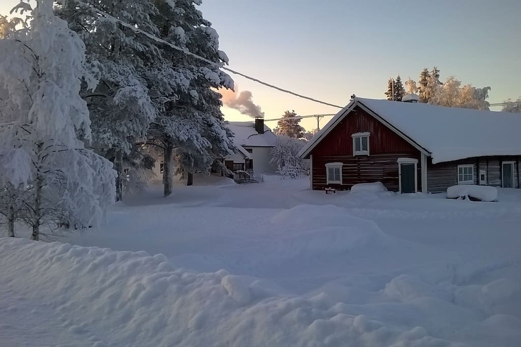 The house and its yard in winter. There's usually snow  from late October to the end of April to enjoy winter activities.