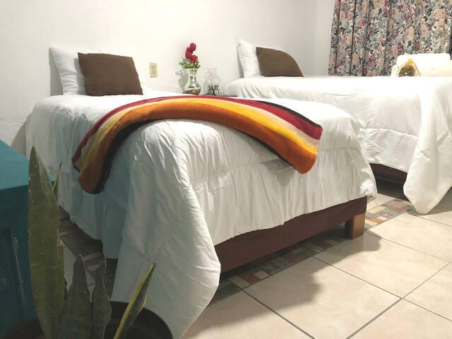Comoda Habitación en Corregidora,  Qro.  2per