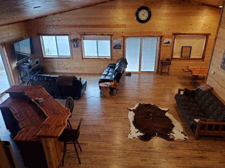 Cabin on lake and river frontage. Airboat ramp.