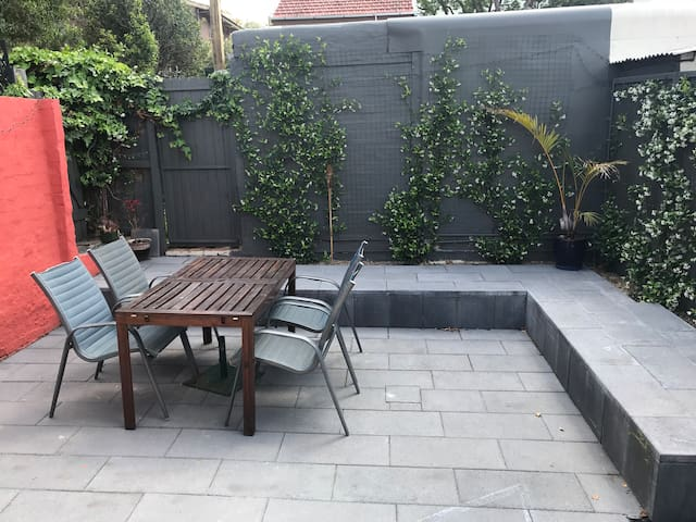 Charming 2 bed house in the inner west